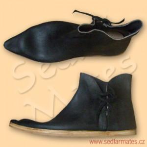 Gotické převracené boty (model č. 9017)