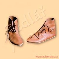 Gotické nízké boty (model č. 1034)