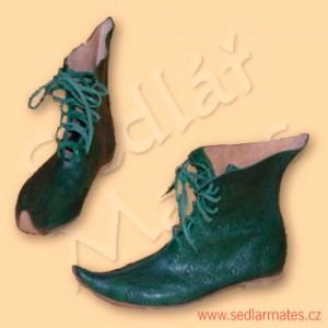 Gotické boty smírně prodlouženou špičkou (model č. 1053)