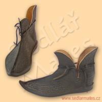 Gotické jednoduché škorně (model č. 1062)