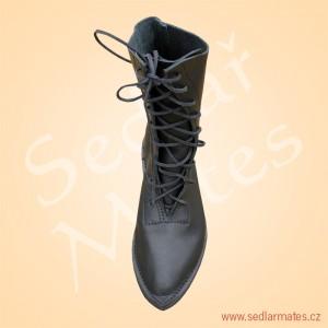 Gotické polovysoké boty (model č. 1008)