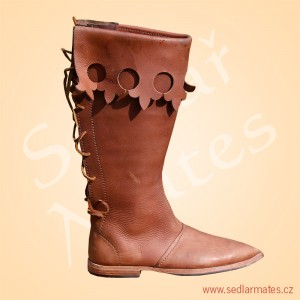 Gotické vysoké boty (model č. 1112)