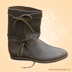 Raně gotické boty (model č. 1121)
