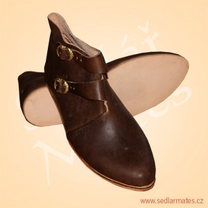Raně gotické kotníkové boty (model č. 9064)