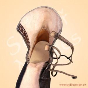 Převracené kotníkové boty (model č. 9066)