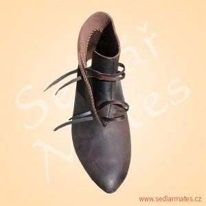 Kotníkové převracené boty (model č. 9075)