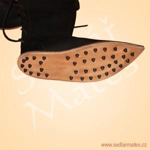 Gotické vysoké boty (model č. 1023)
