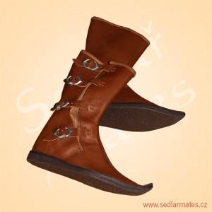 Polovysoké boty na přezky (model č. 1129)