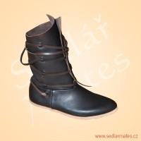 Raně gotické polovysoké boty (model č. 9094)