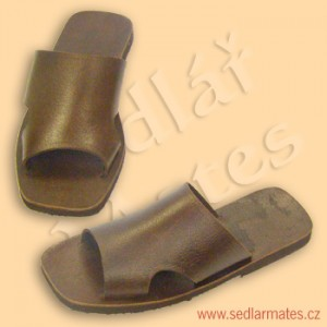 Pantofle (model č. 4018)