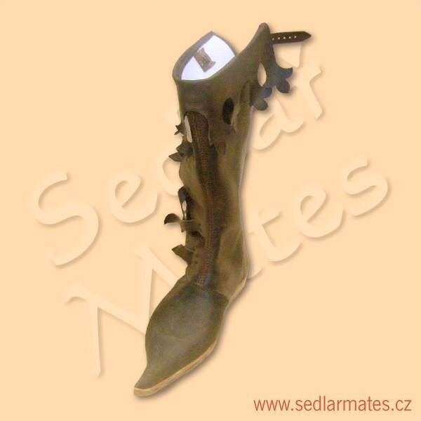 Gotické vysoké boty s dlouhou špicí (model č. 1099) 05c756c2d8