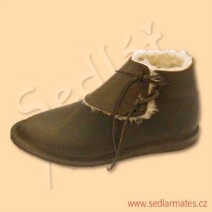 Zimní gotické nízké boty (model č. 1104)