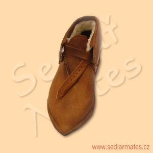 Nízké gotické boty na zimu (model č. 1105)