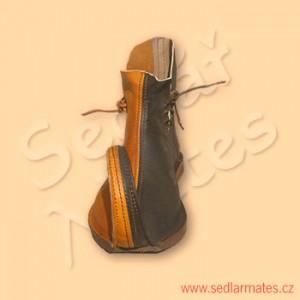 Orientální škorně (model č. 1068)