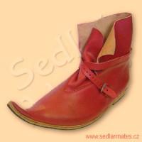Gotické kotníkové boty se zvednutou špičkou (model č. 1078)