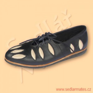Renesanční nízké boty (model č. 2037)